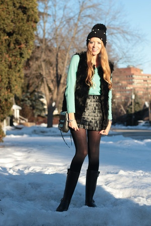 mint sweater fur vest