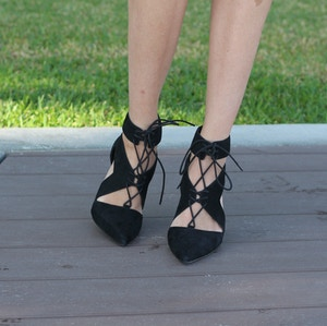 nine west in style black shoes