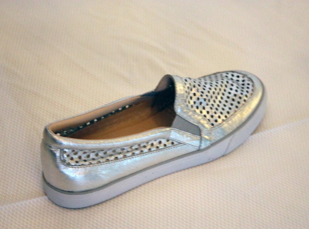 nine west spring 2014 silver sneaker