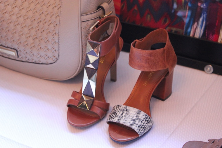 nine west spring 2014 wood and metal sandal