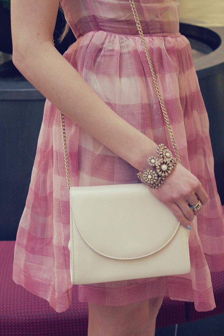 outfit detail gingham