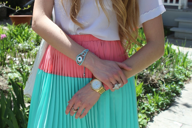 outfit details