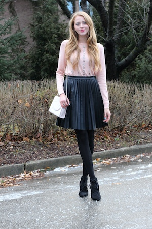 ann taylor pink sweater pleated skirt outfit