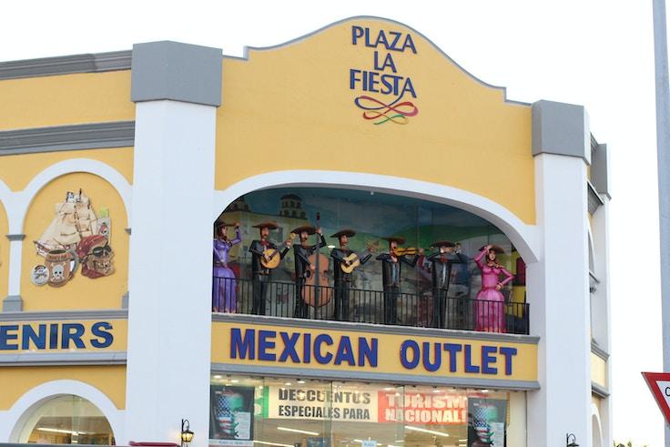 plaza la fiesta cancun
