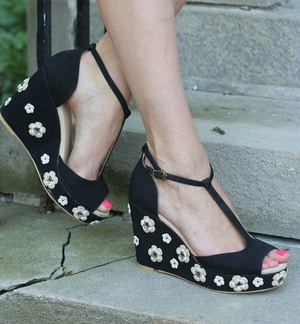 randa flower wedges