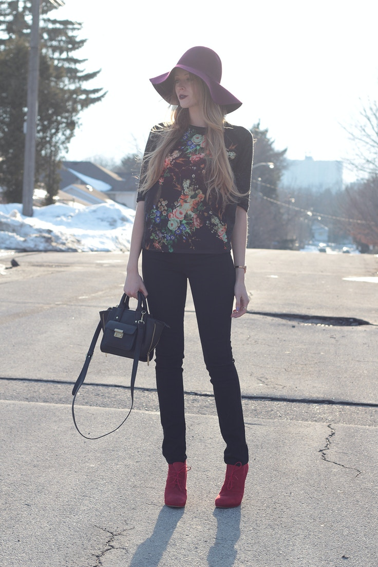 rich and skinny black jeans