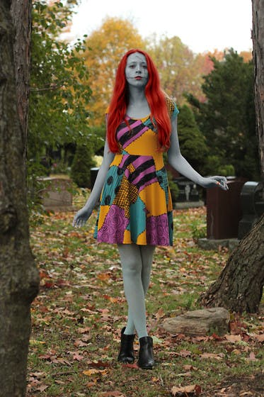 Sally Nightmare Before Christmas DIY Halloween Costume featuring a Hot Topic Sally dress