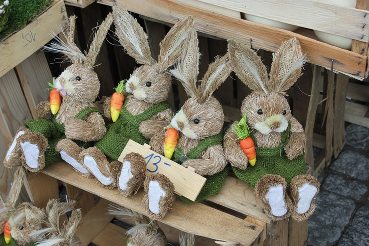 straw easter bunnies
