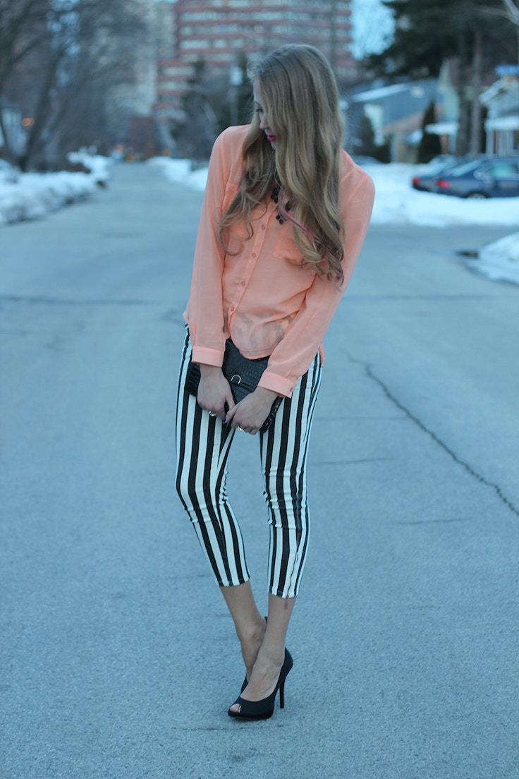 striped jeans and peach blouse