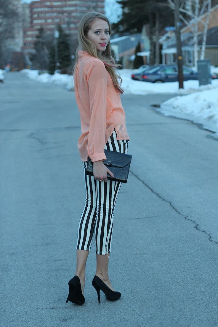 striped jeans peach shirt