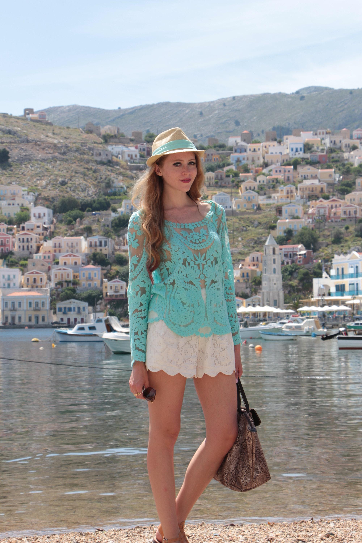 symi greece mint crochet top white scalopped shorts