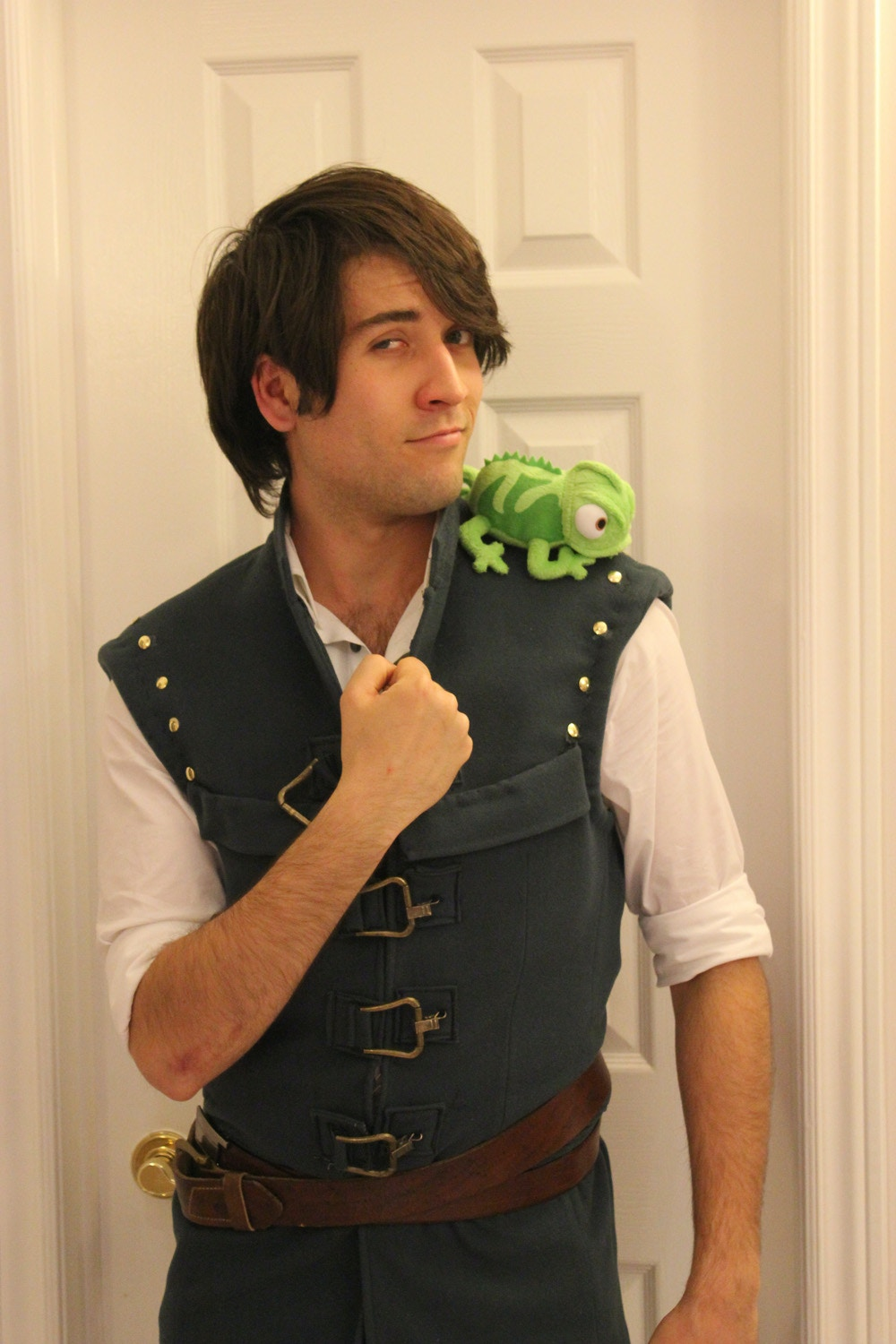 Flynn Rider DIY Halloween Costume Idea