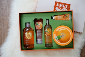 the body shop holiday sets (3 of 11)