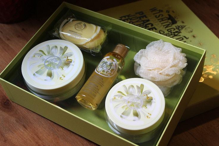the body shop moringa gift set giveaway