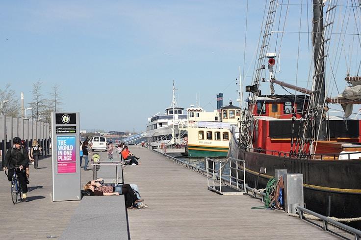 toronto harbourfront boardwalk