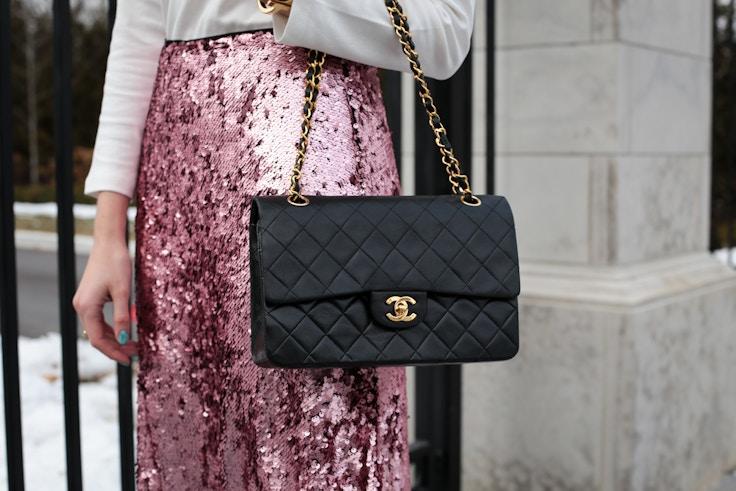turtleneck pink sequin skirt chanel bag (5 of 8)