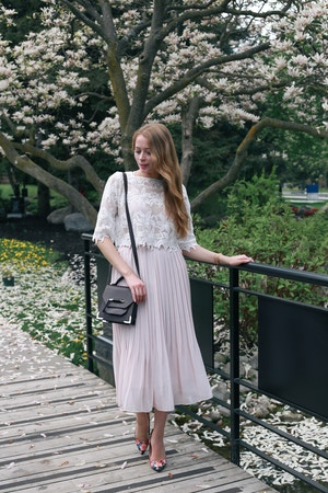 uniqlo pleated skirt (7 of 8)