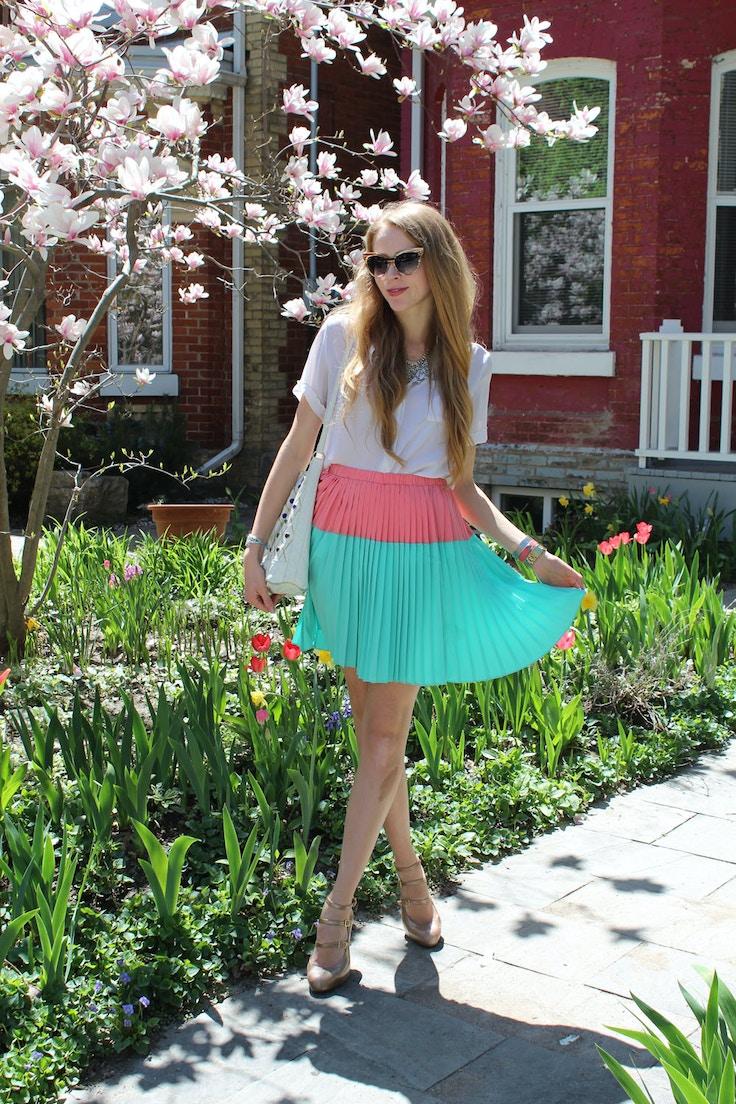 white blouse pleated skirt