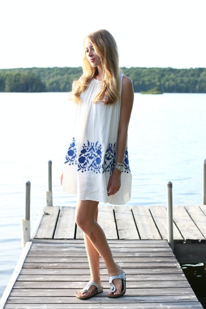 white dress and silver birkenstock sandals