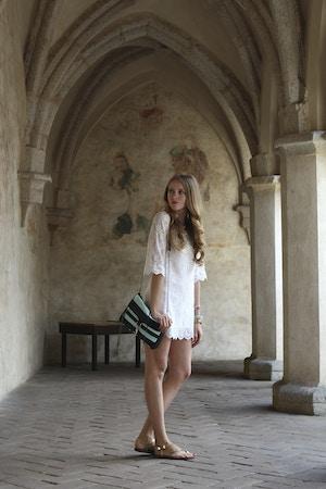 white dress mac purse