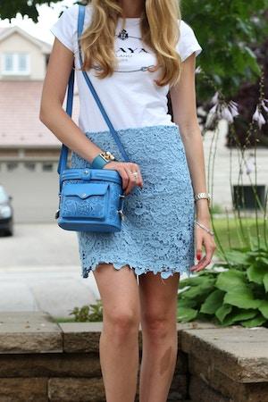 white tee blue lace forever 21 skirt