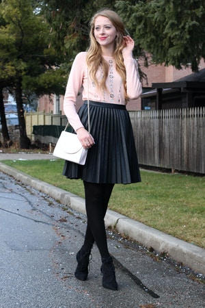 zara pleated pleather skirt
