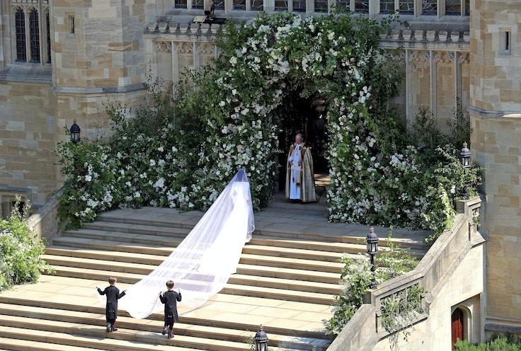 meghan markle wedding dress veil train givenchy