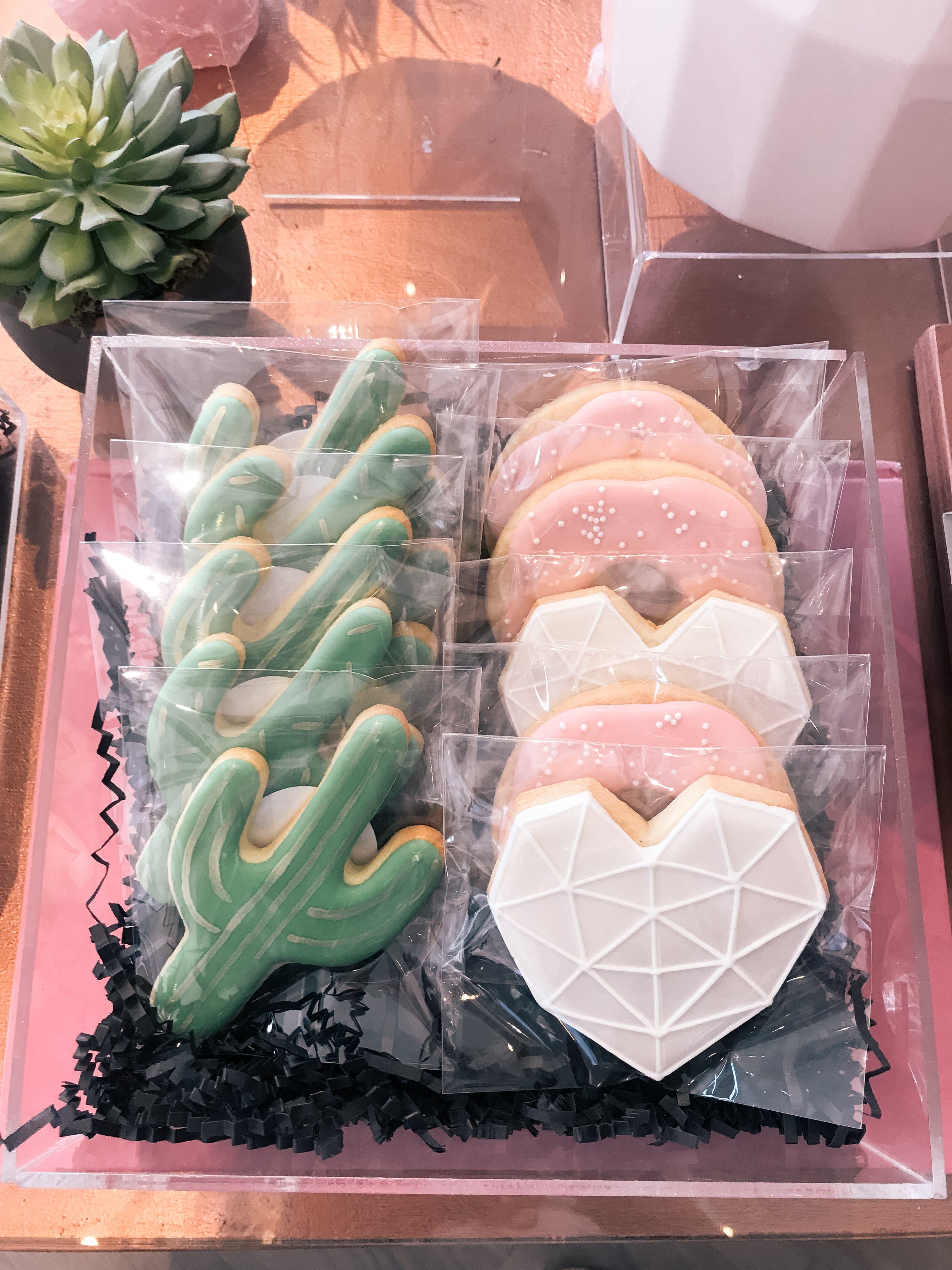 hello baked custom cookies