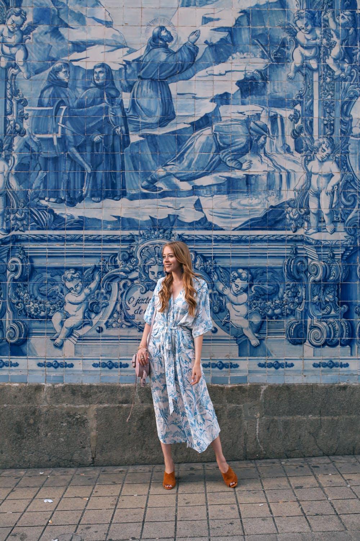 Azulejos in Porto | Meghan Markle Blue Oscar de la Renta floral dress lookalike