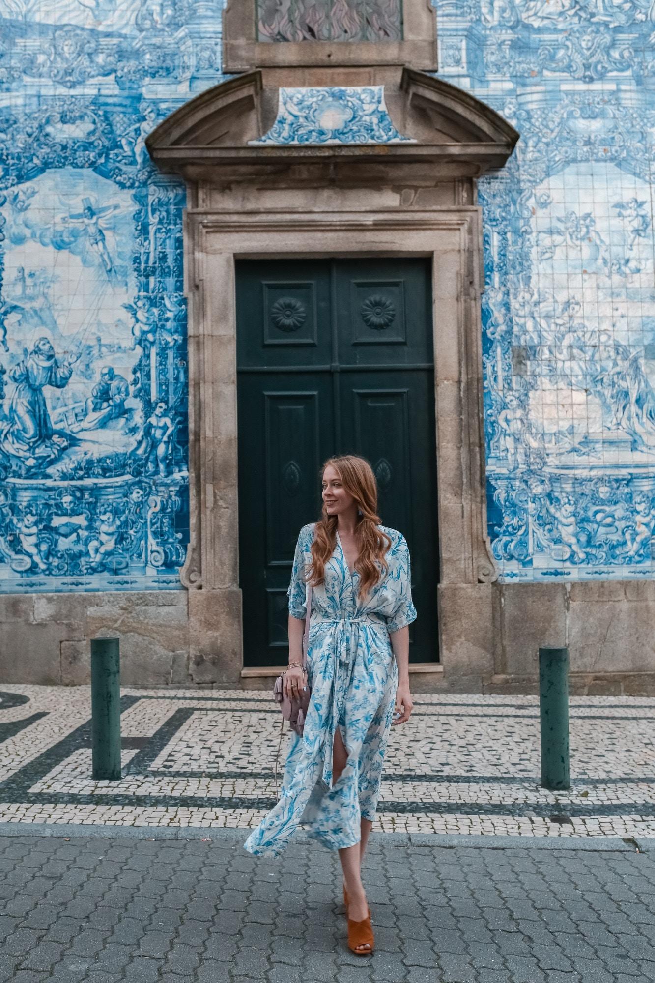 azuleijos capela das almas porto