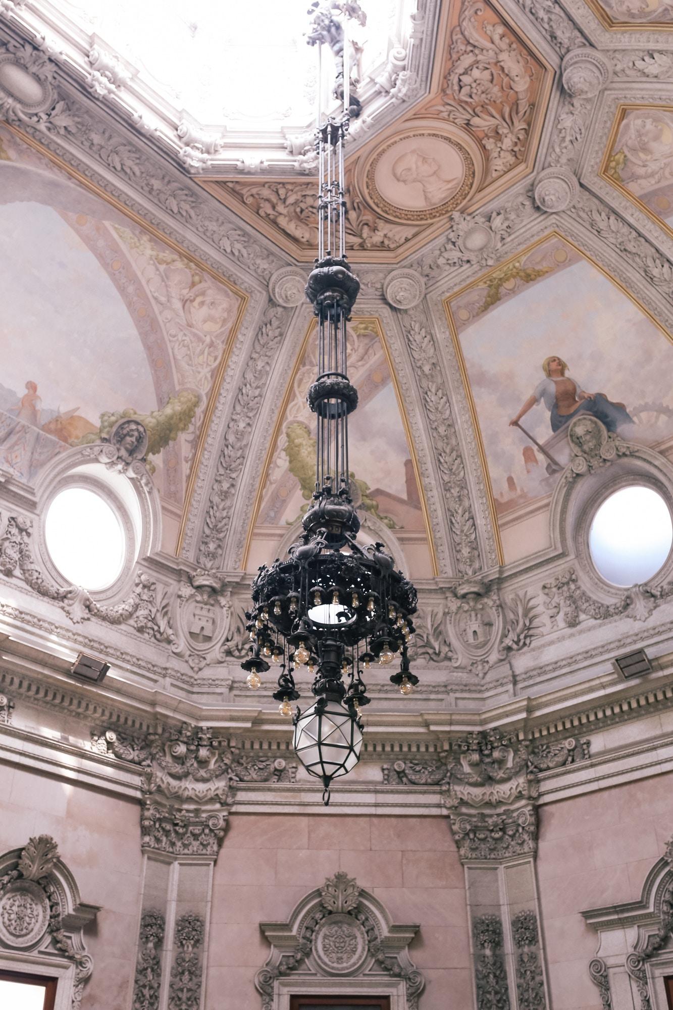 palacio de bolsa porto chandelier