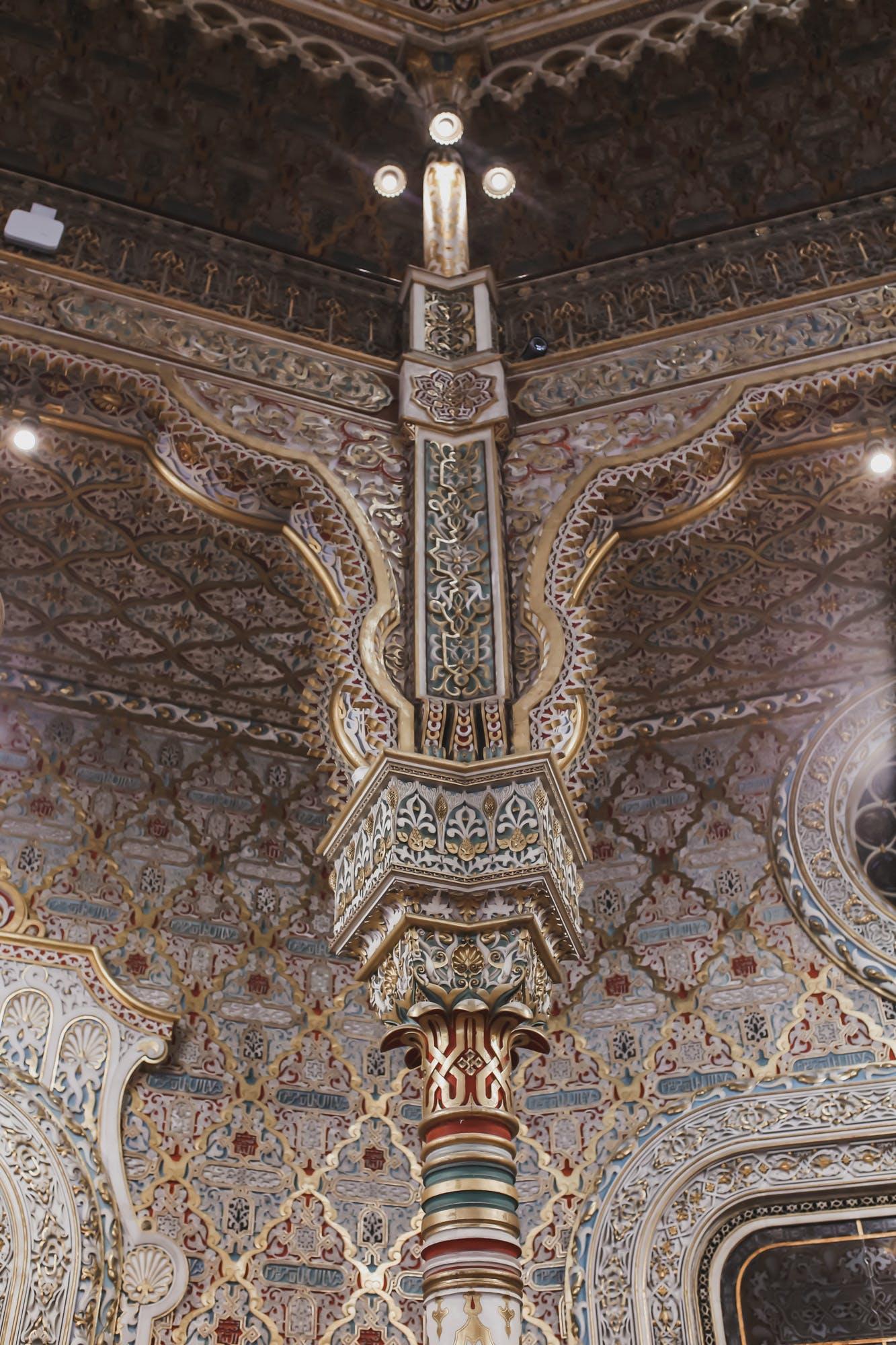 details of the arab room in the palacio de bolsa, porto portugal