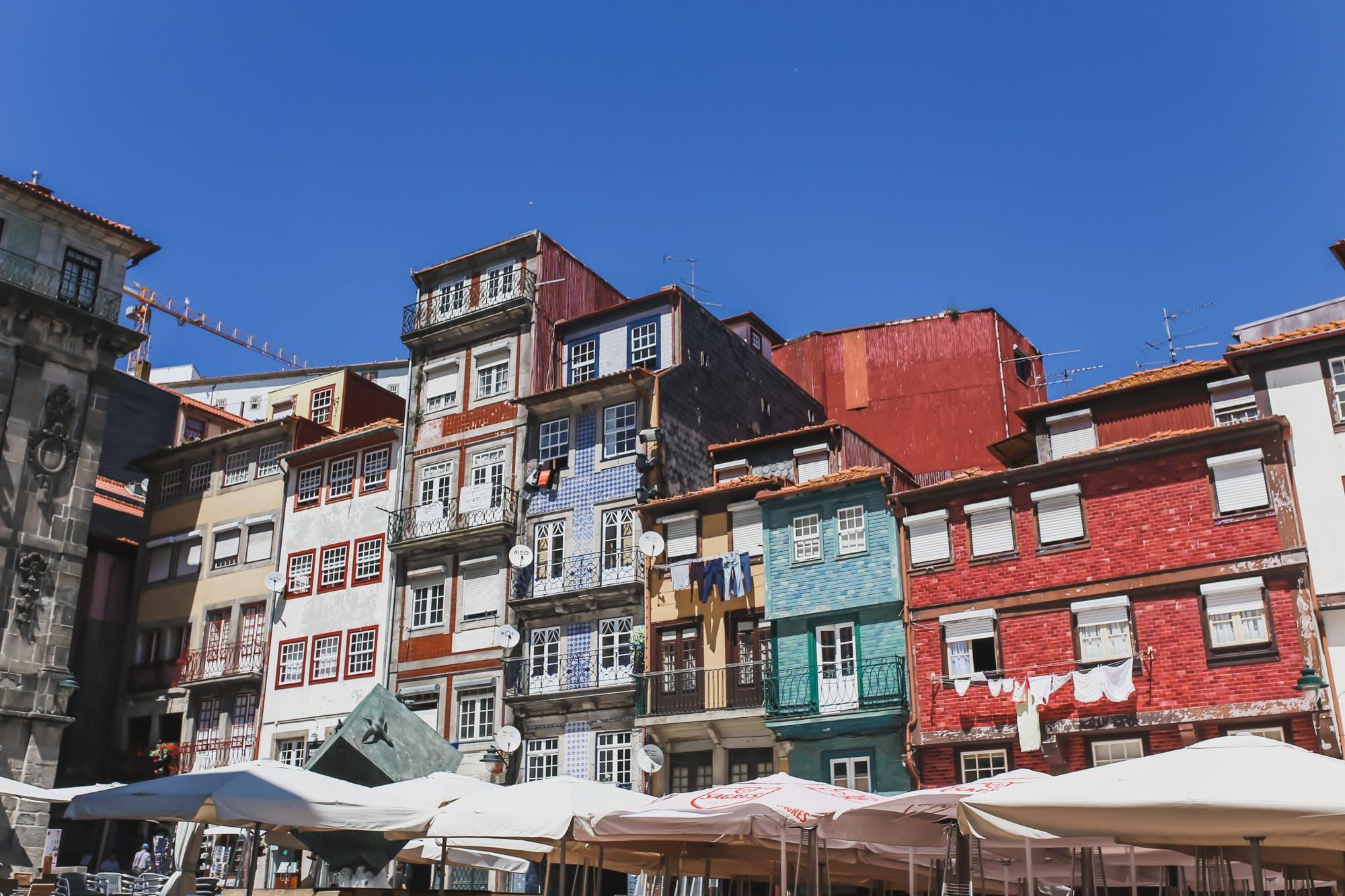 porto's ribeira district buildings
