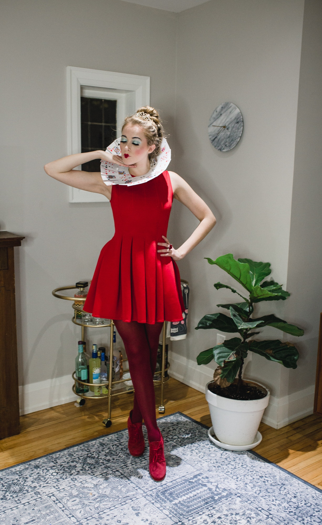 DIY Queen of Hearts Costume - easy, cheap Halloween costume idea