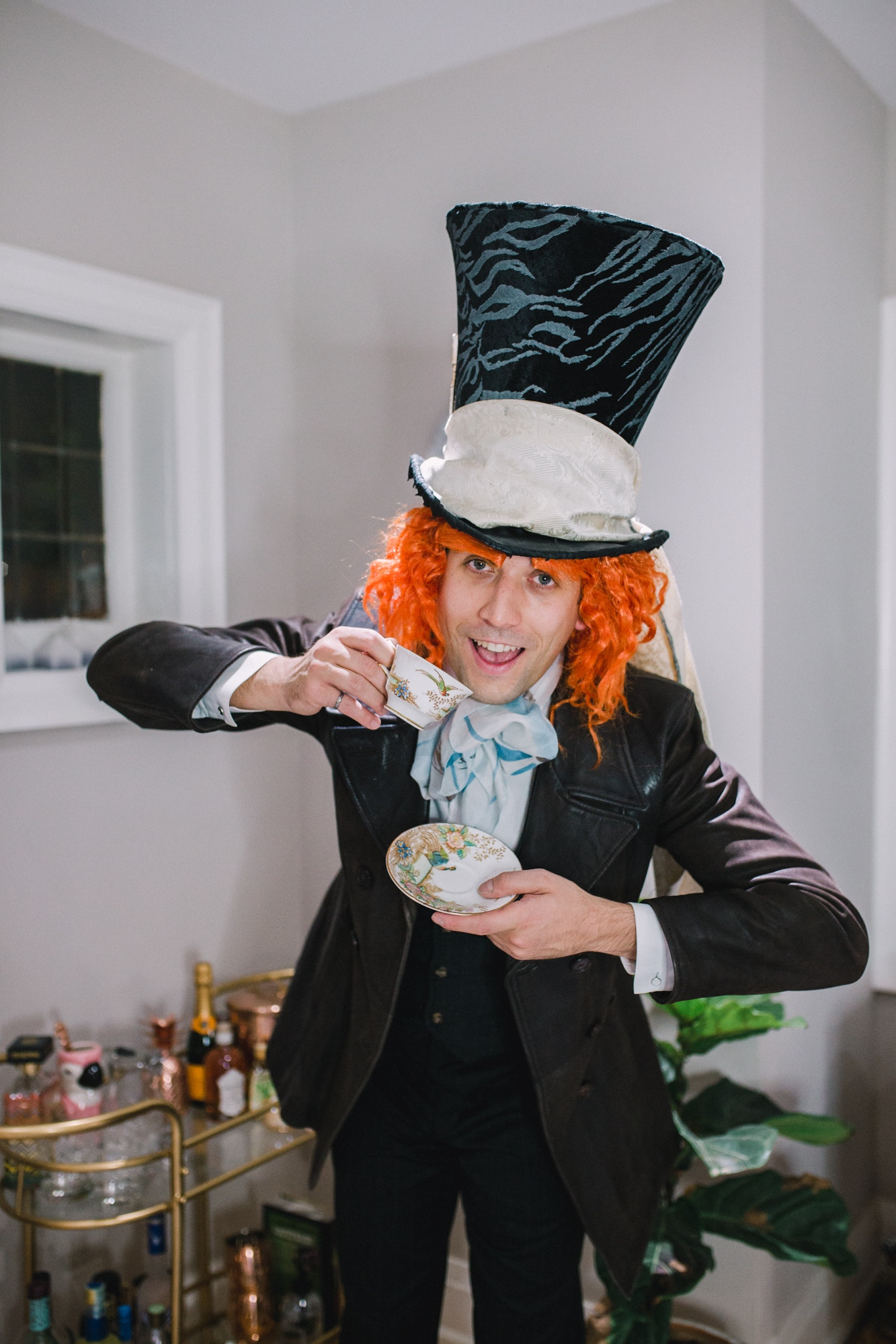 DIY Mad Hatter Alice in Wonderland Costume idea: a guide on how to make a realistic Mad Hatter hat and costume