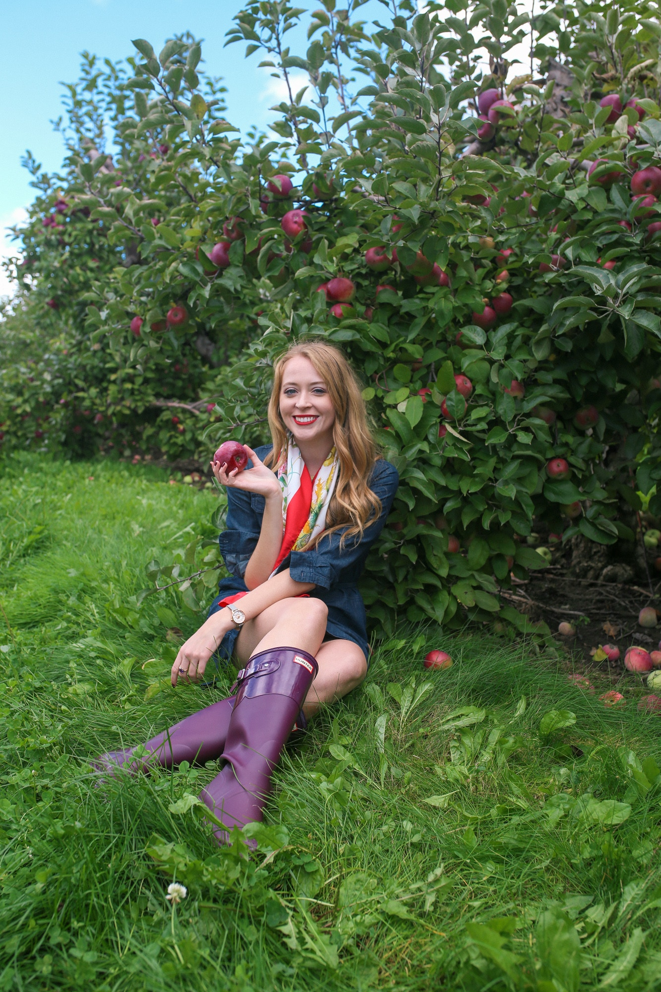 What I wore to go apple picking near Toronto: a Joe Fresh denim dress, Tall Hunter boots and a vintage silk Gucci scarf.