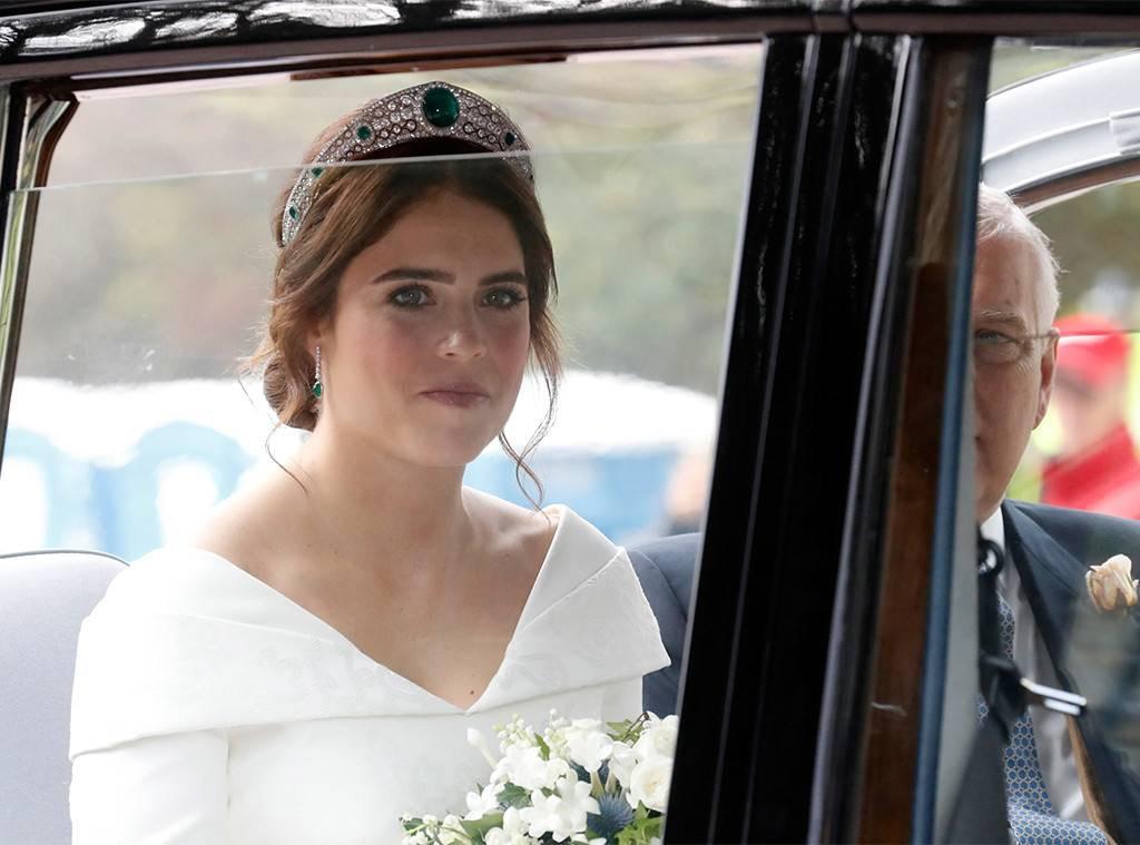 Princess Eugenie arriving to her wedding ceremony