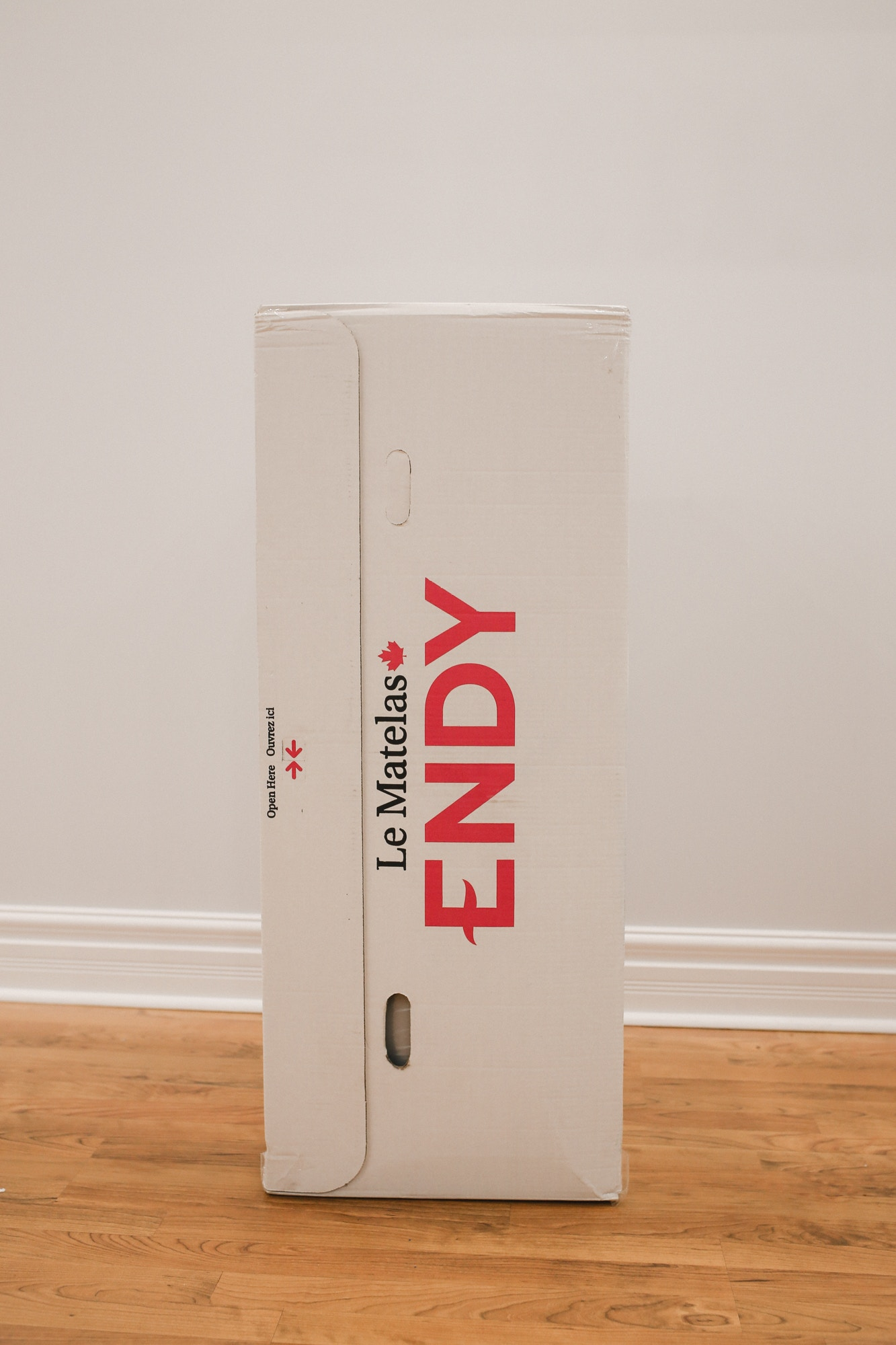 The Canadian Endy mattress comes shipped in a convenient box!