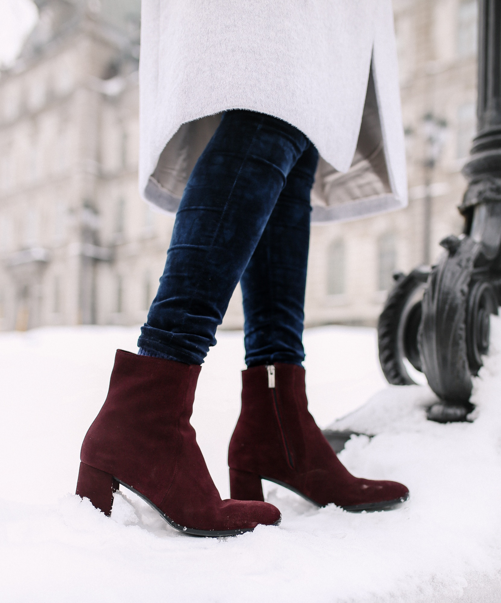 La Canadienne Jojo Boots Review - the perfect waterproof boot for work or play. Made in Canada, these boots are so chic and comfortable.