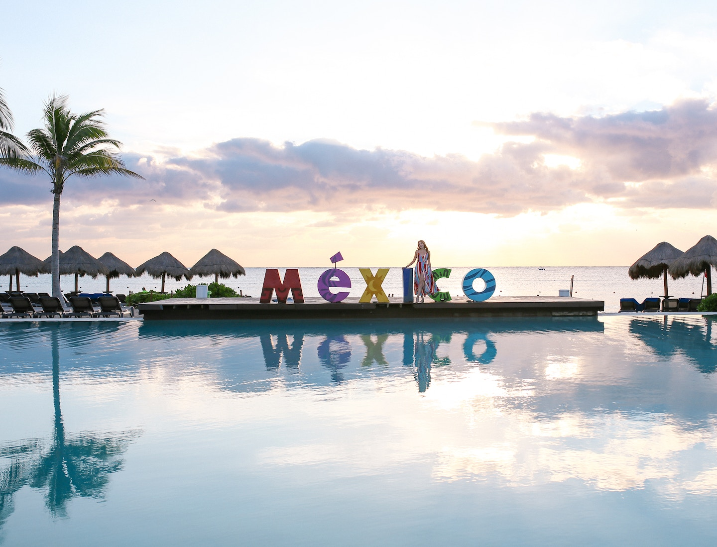 Ocean Riviera Paradise Review: Sharing my experience at this 5 star all-inclusive resort in Playa del Carmen, Mexico. From gourmet gluten-free food to gorgeous pools, rooms and beaches, we had a great time at this resort.