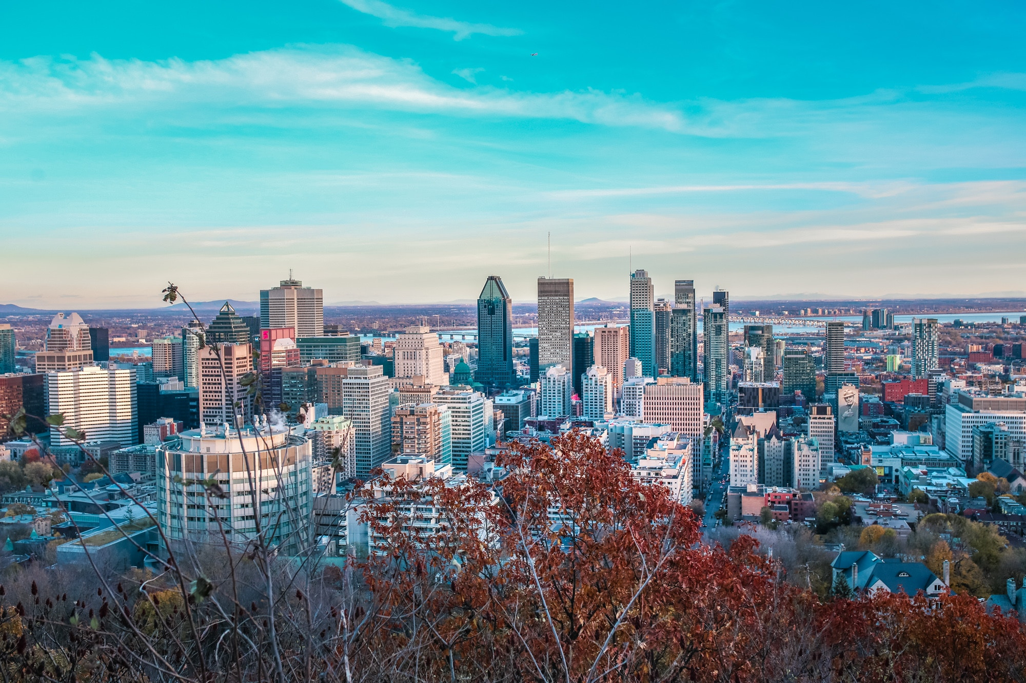 Mont Royal offers gorgeous, scenic views of all of downtown, and is easily one of the number one most Instagrammable spot in Montreal.