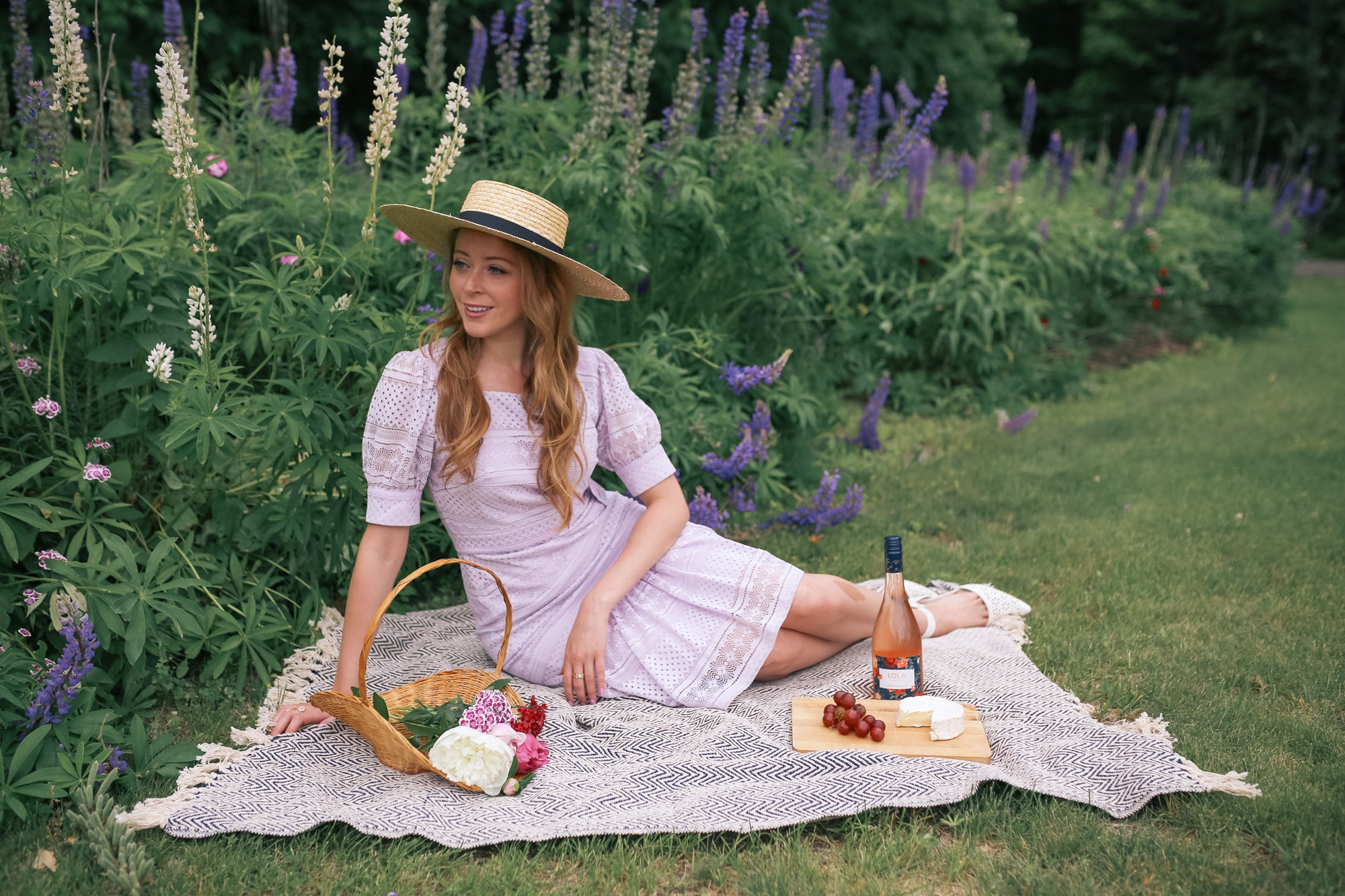 The Prettiest vintage picnic: Rachel Parcell Dress Review - Purple Hush Square Neck Lace Dress.