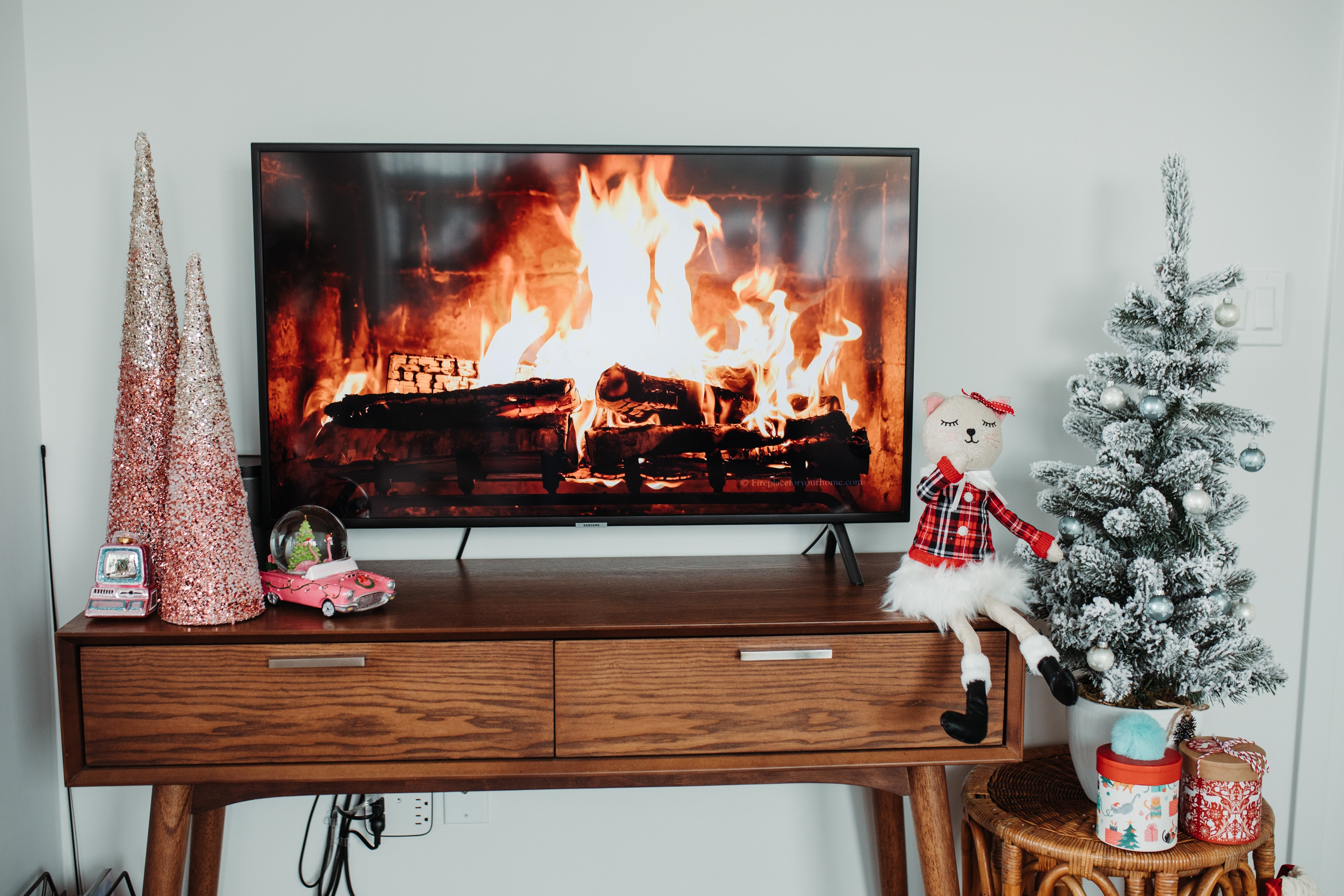 How to decorate your TV stand for Christmas