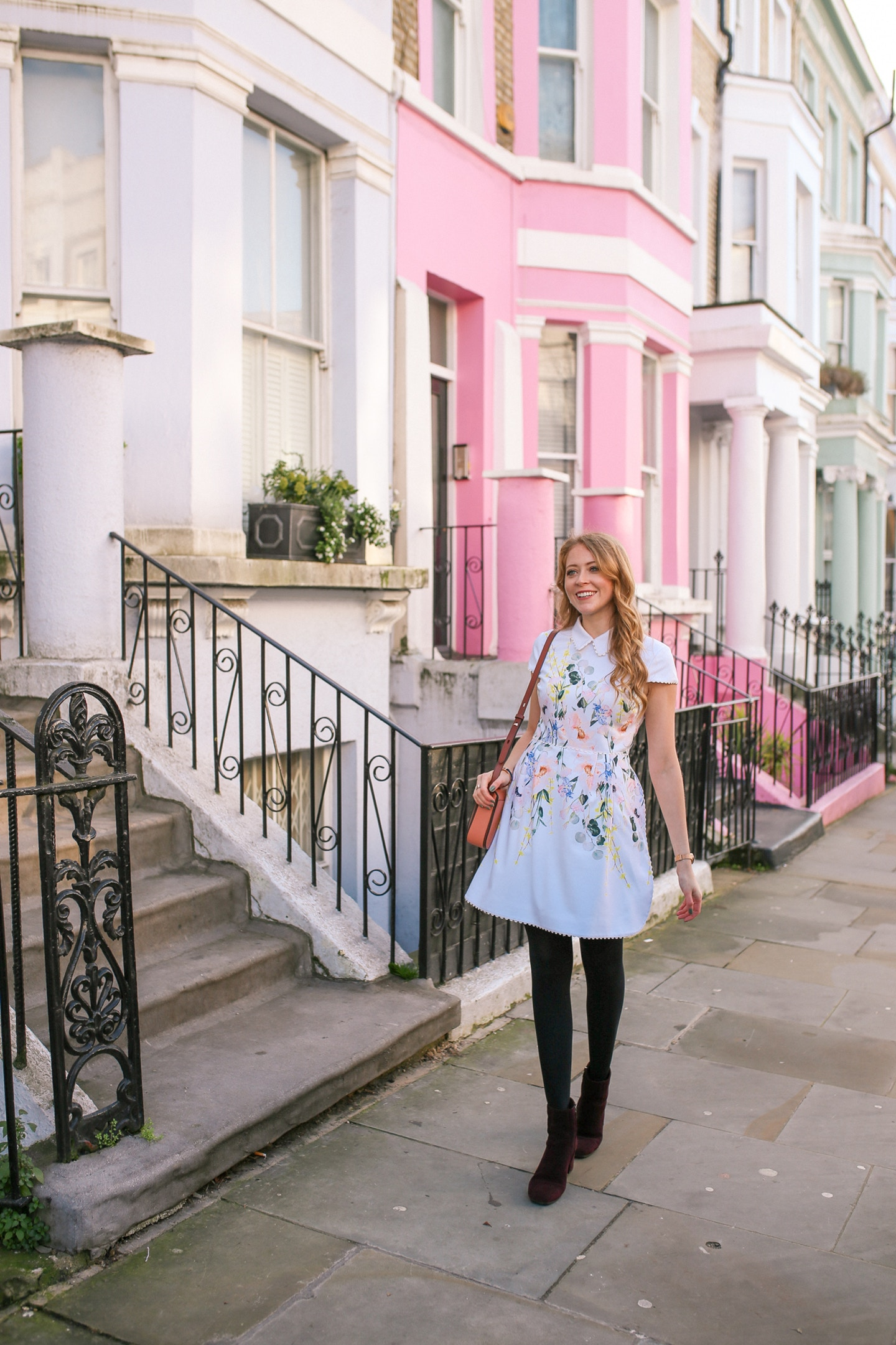 Top 10 Things to do in Notting Hill - from colourful houses to flea markets to charming pubs, discover my favourite London Neighbourhood with me!