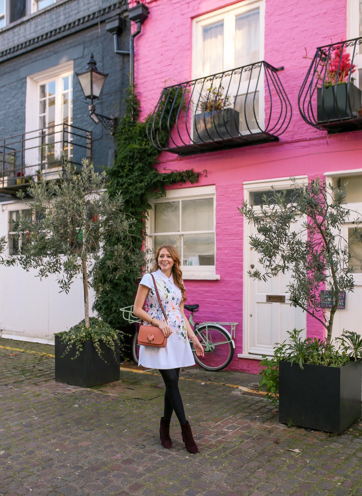 St. Luke's Mews pink house from Love Actually