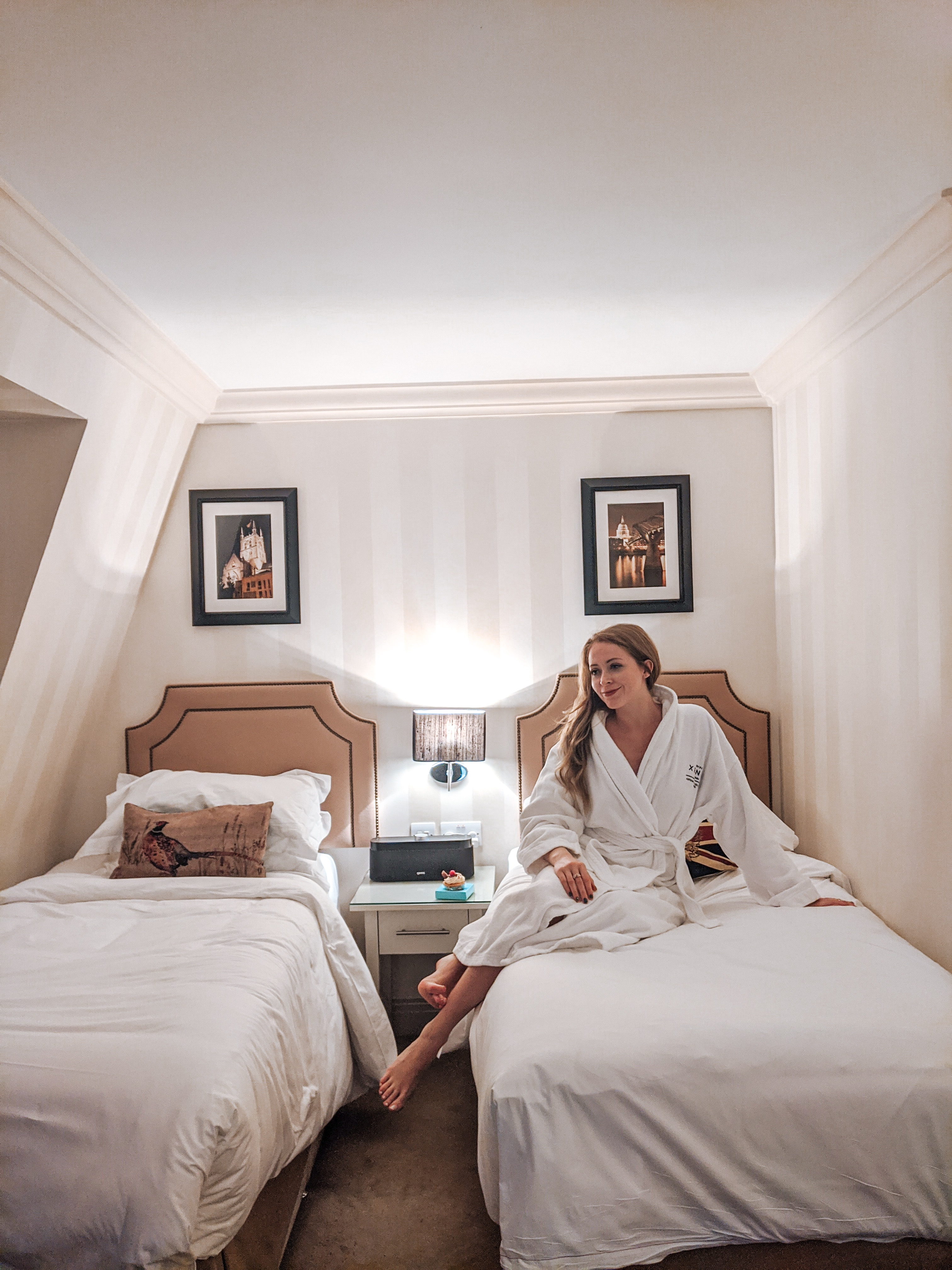 The Hotel Xenia Autograph Collection London located in Kensington was perfect for a 3 night stay in central London. And how cute are these twin beds? I felt like I was in a chic boarding school!