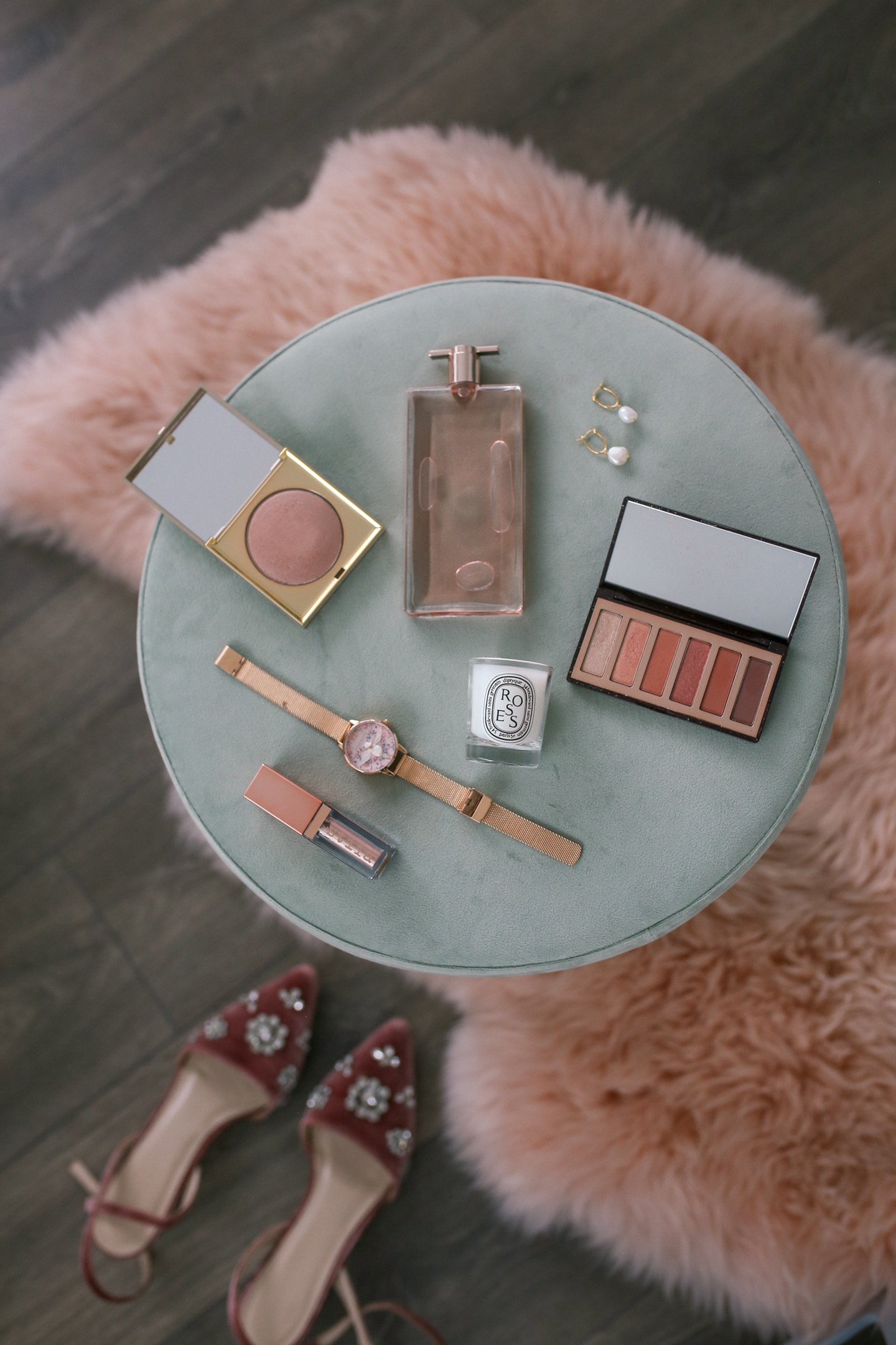 Valentine's Day Gift Ideas: From pretty Charlotte Tilbury eyeshadow to sumptuous fragrance or pearl earrings, my gift ideas are perfect at any price point!