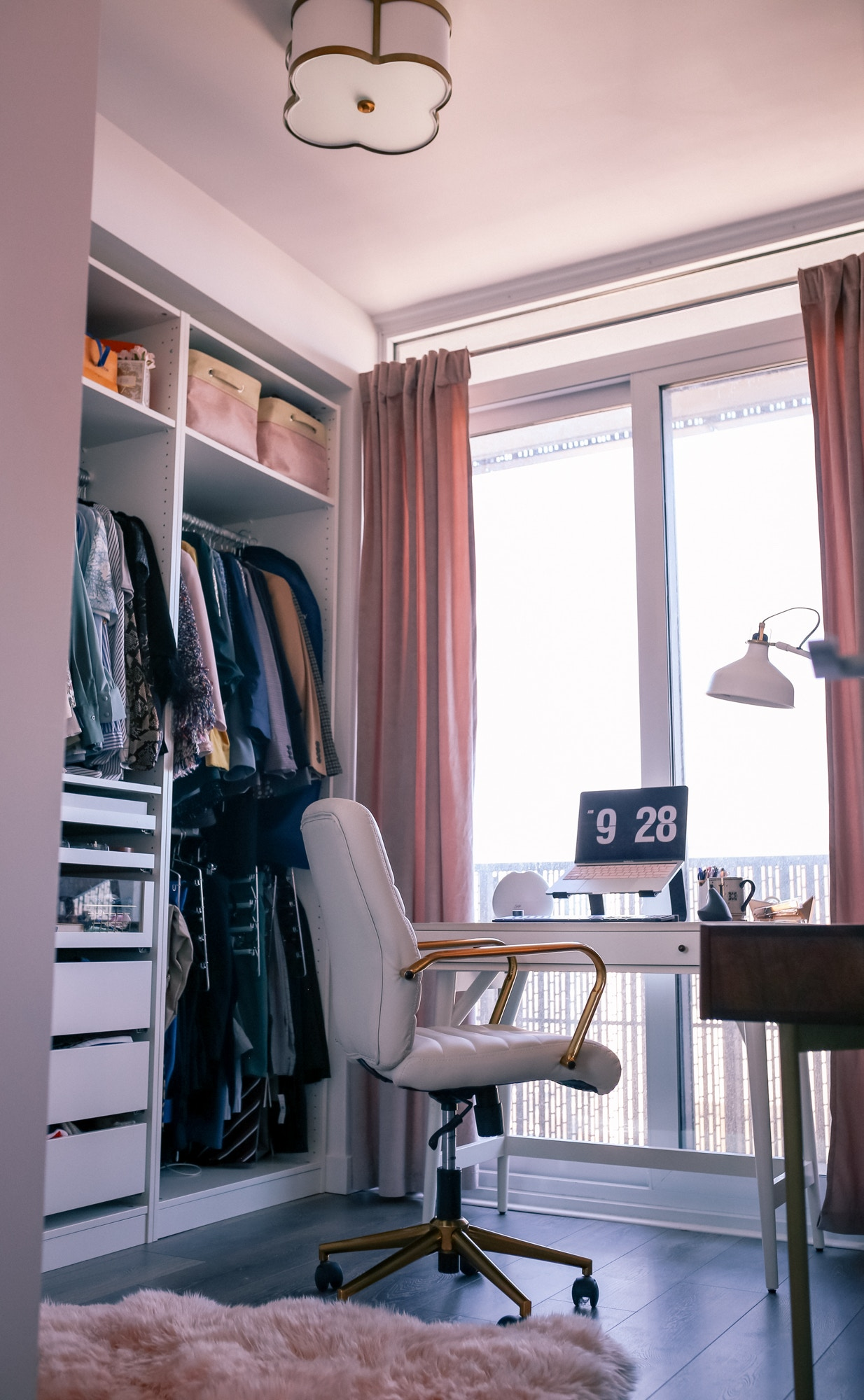 How to stay motivated during self-isolation: creating the perfect home office environment is key!