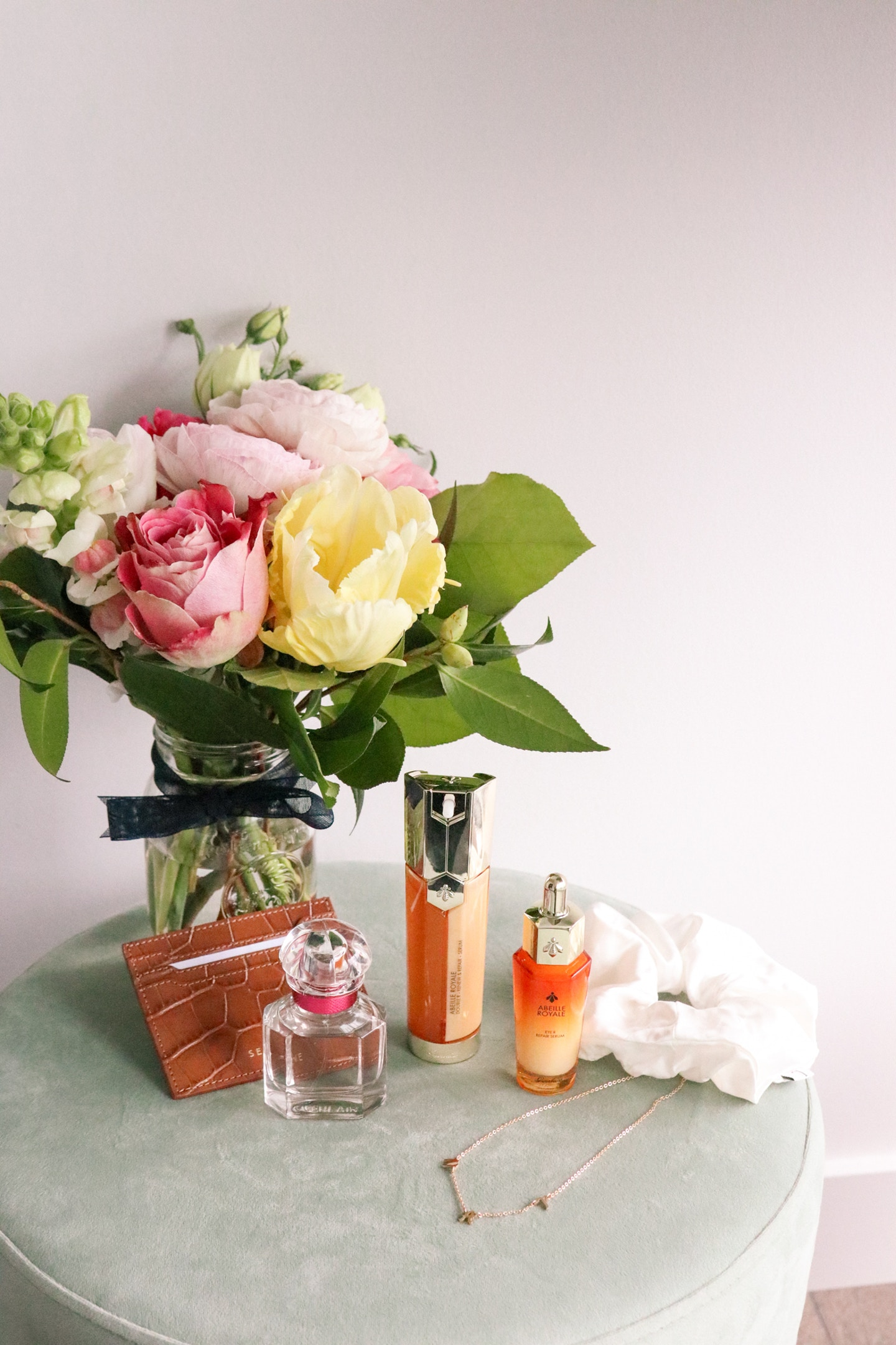 Mother's Day Gift Ideas 2021: From a new spa skincare routine to a floral perfume - I've rounded up some great gifting options for moms on mother's day.